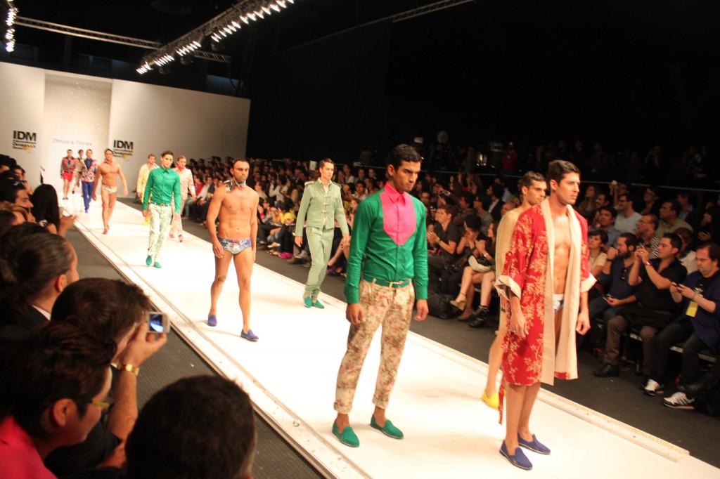 70f96f29d4 Fashion Republic : Fashion is Everywhere | Olmos y Flores en IDM ...